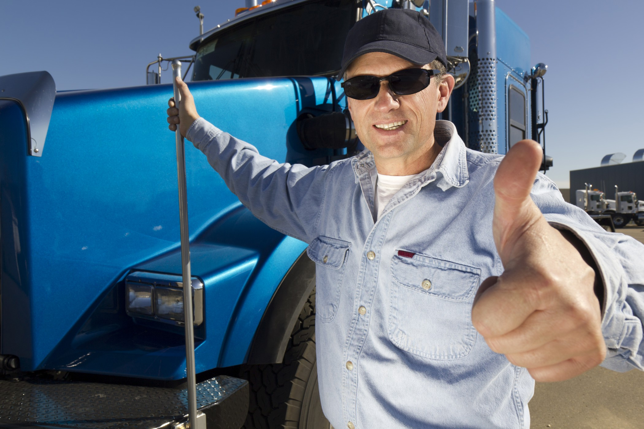 Truckers Get the Thumbs Up When it Comes to Safe Driving