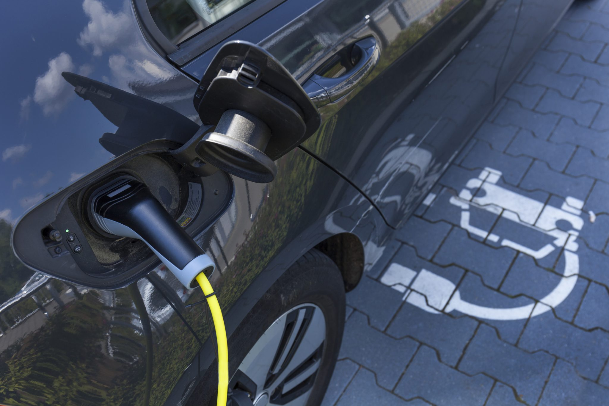 Lack of Charging Stations Not the Only Problem for Electric Vehicles